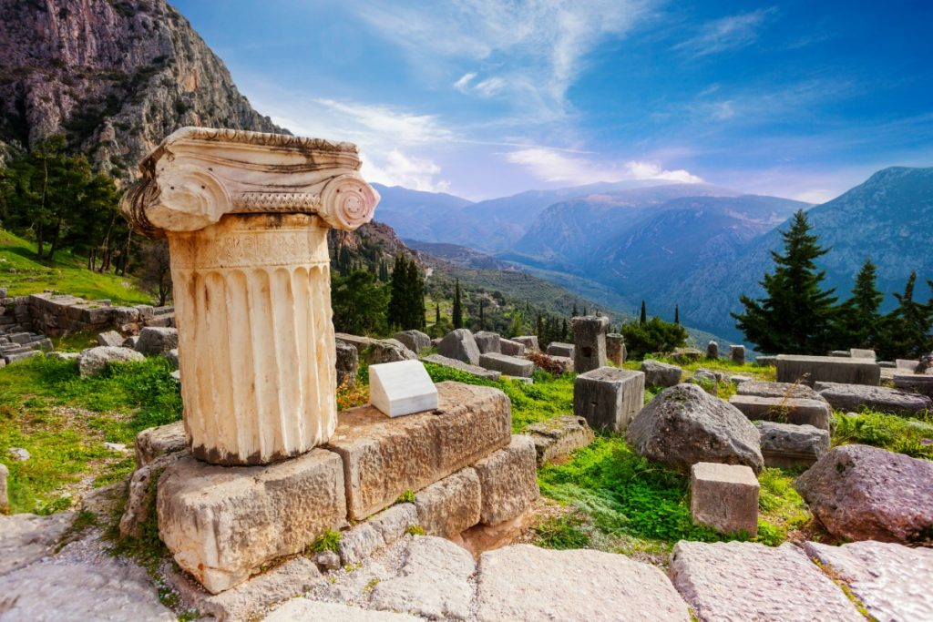 Five Reasons to Travel to Greece
